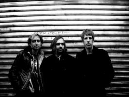 A Place to Bury Strangers, Delfos